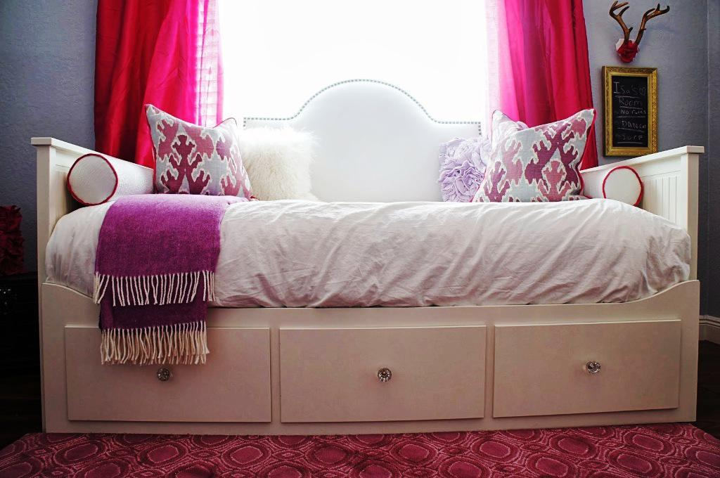 Image of: IKEA Hemnes Day Bed