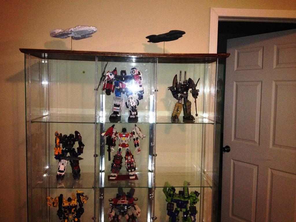 Image of: Amazing IKEA Display Case