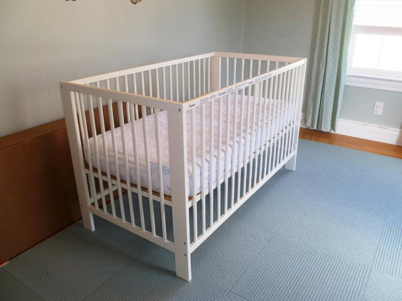 Contemporary IKEA GULLIVER Crib