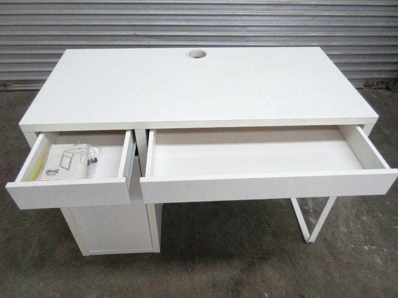 Image of: IKEA Micke Desk Review