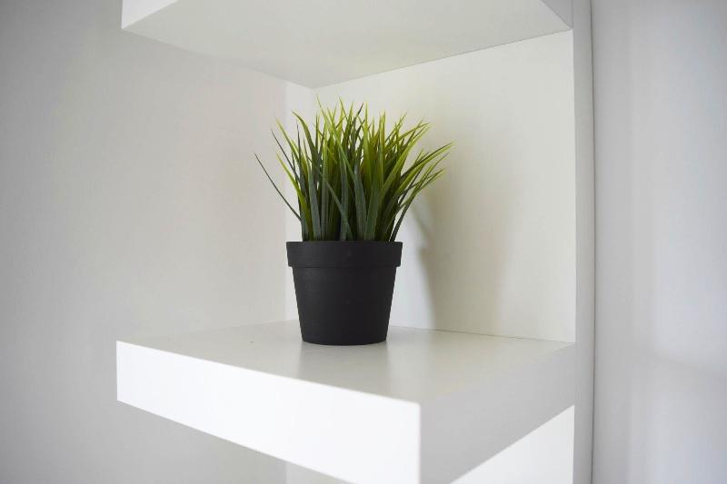 Image of: White Floating Shelves