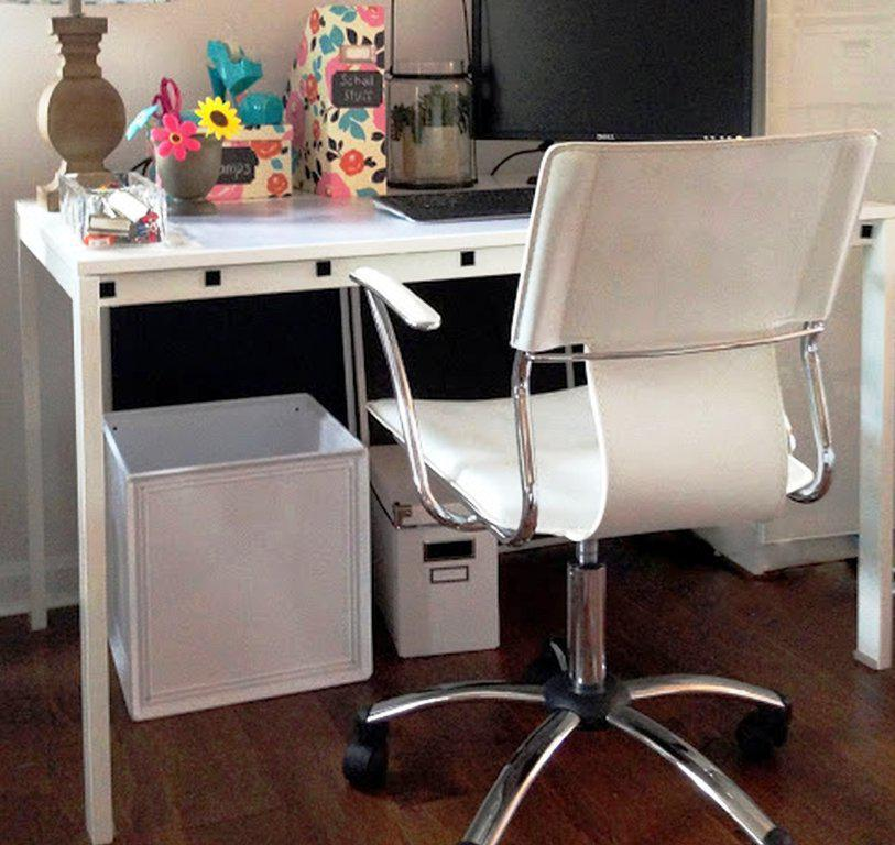 Image of: IKEA Desks And Chairs