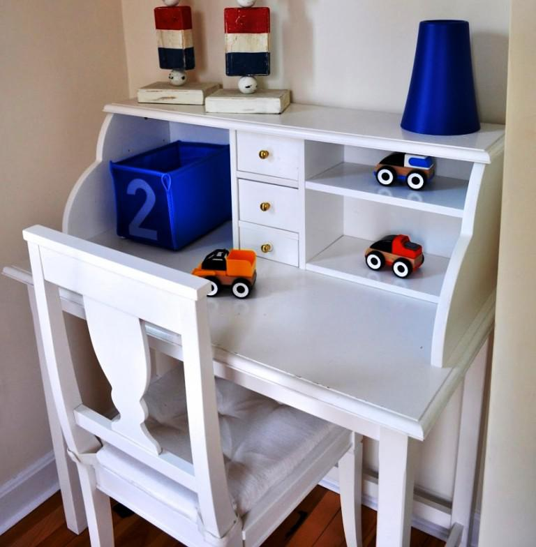 Image of: IKEA Childrens Table And Chair Set