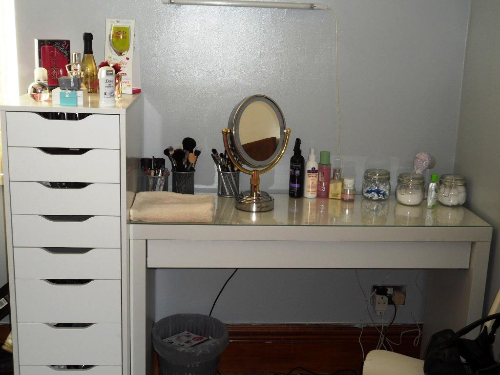 Best IKEA Vanity Table Adorable Features