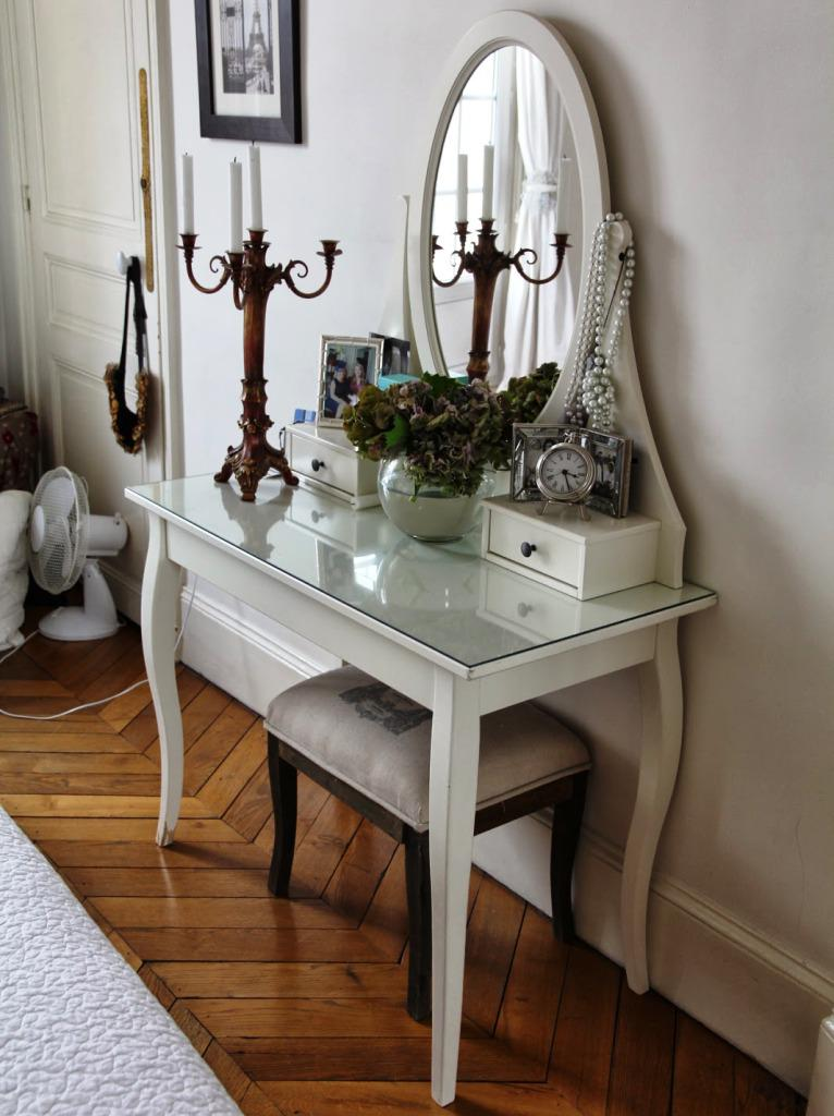 Image of: Vanity Table With Mirror IKEA